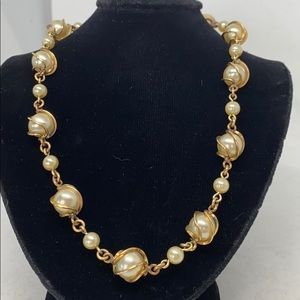 Jewelry - Vintage caged pearl choker